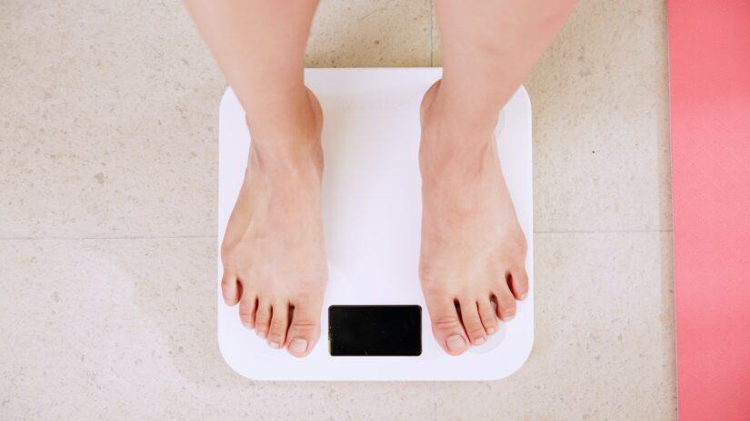 フィジーク初心者の減量期の食事【減量とダイエットの違い】